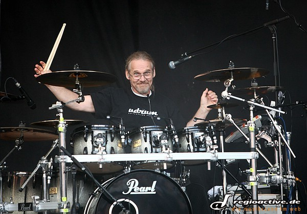 Markant - Fotos: Saga live bei Rock the Nation 2011 auf der Loreley