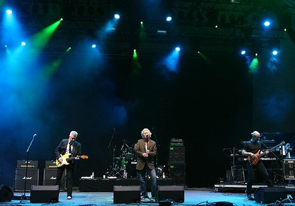 Stimmig - Fotos: Manfred Mann's Earth Band live bei Rock the Nation 2011 auf der Loreley
